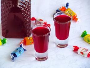 Спиртные напитки. Ликёр клюквенный
