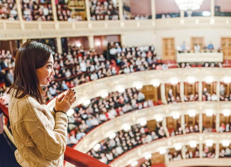 зритель в театре