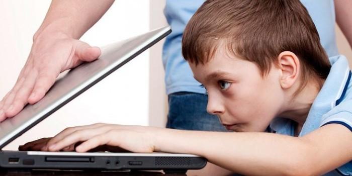 Детский омбудсмен предложила запретить детям до 14 лет пользоваться соцсетями
