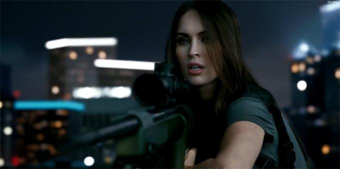 Меган Фокс в рекламе Call of Duty:Ghosts