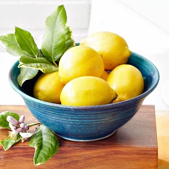 21 способ использования лимона для дешевой и эффективной уборки по дому