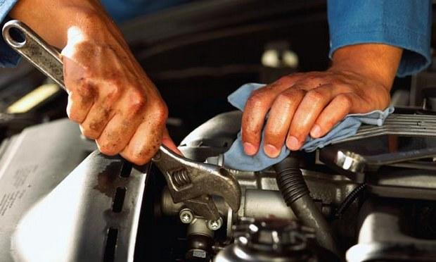 Как починить авто и не покалечиться