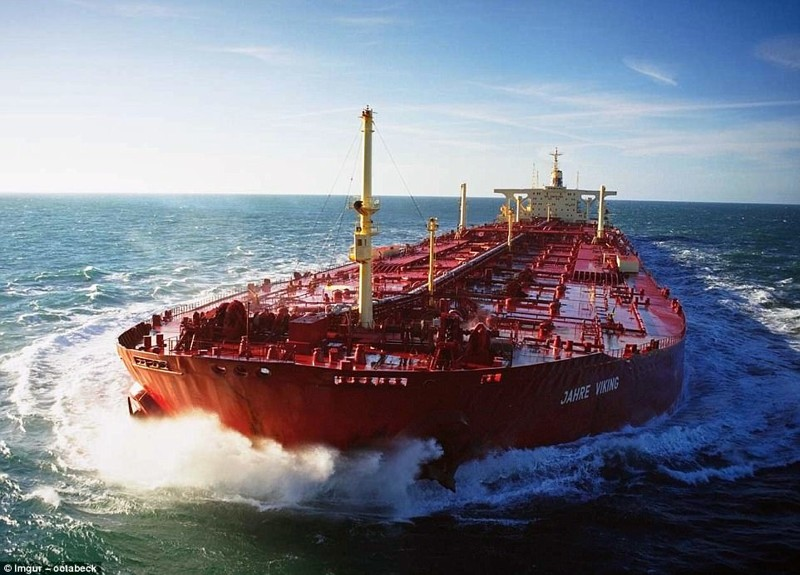 Разбомбленный и воскрешенный: драматическая история крупнейшего в мире корабля