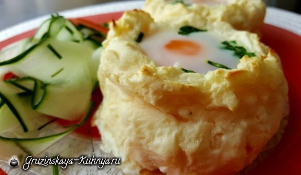 Яйца-пашот в картофельных корзинках (1)
