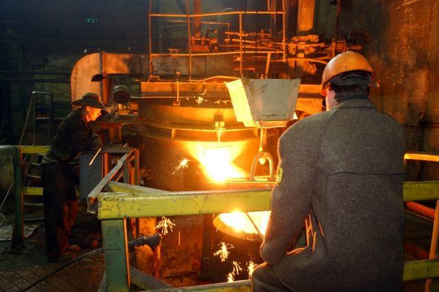 Промпроизводство в ноябре в РФ упало максимальными темпами за восемь лет