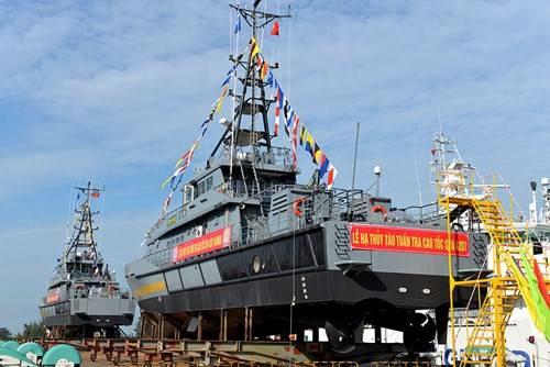 Во Вьетнаме спущены на воду два больших сторожевых катера