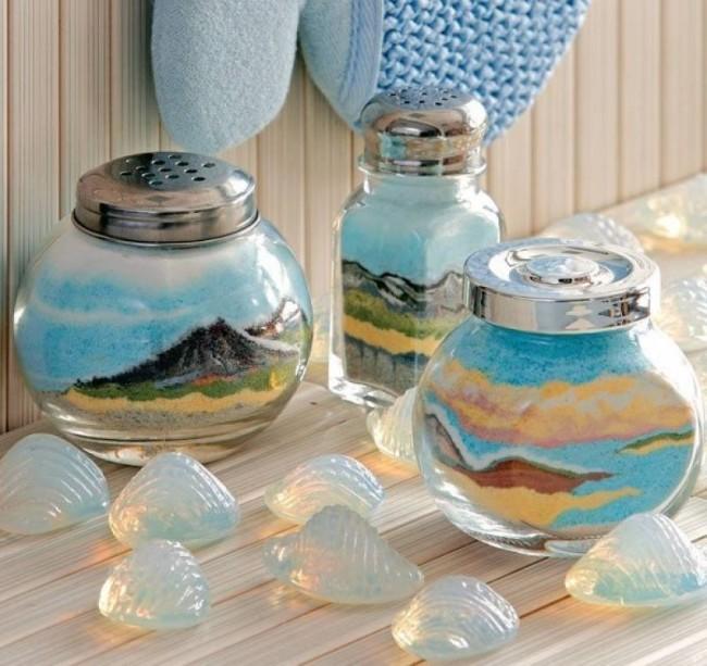 Очень нежные пейзажи из цветной соли в прозрачных стеклянных бутылках