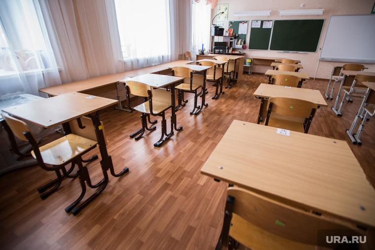 «Весь день в тепле, говорят одно и то же». В Сети осудили учителей, которые жалуются на низкие зарплаты