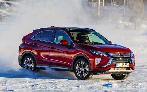 Mitsubishi Eclipse Cross — тест-драйв на ледовой трассе