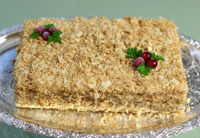 Торт наполеон с коржами и сардинами