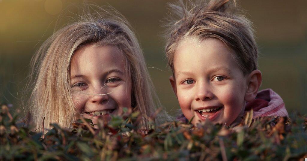 Откуда берётся страх осуждения и как помочь ребенку вырасти уверенным в себе
