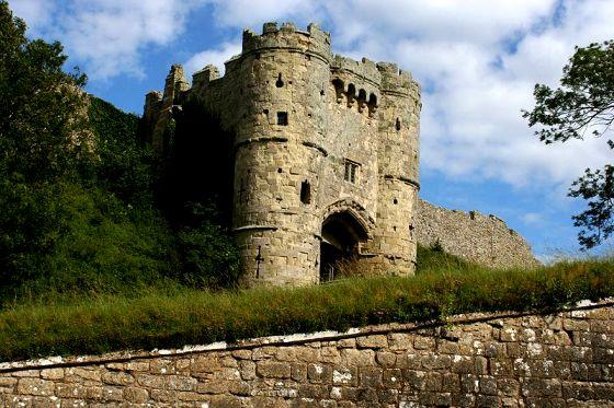 Замок Карисбрук (Carisbrooke Castle), Англия