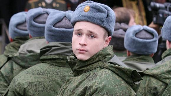 Должны ли наши сыновья, мужья служить в армии?