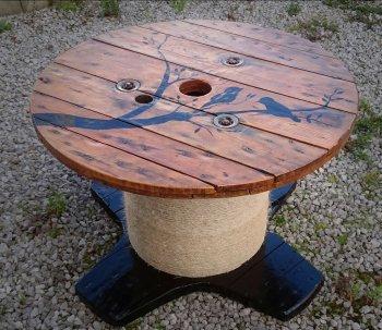 Делаем столик из кабельной катушки