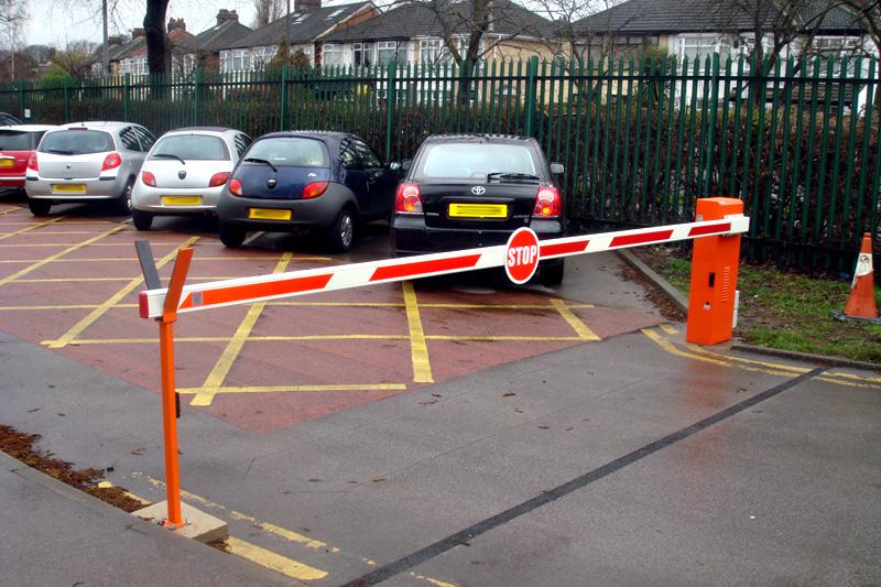 Госдума приняла решение по введению платной парковки во дворах