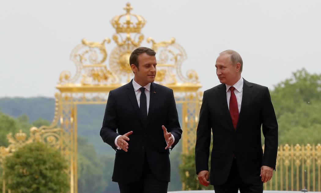 Самый «актуальный» вопрос: Макрон попросил Путина следить в Чечне за геями