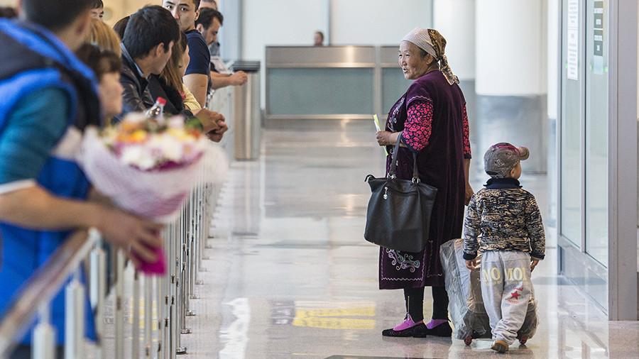 Больше мигрантов хороших и разных: МВД заявило о положительном влиянии на демографию и развитие РФ