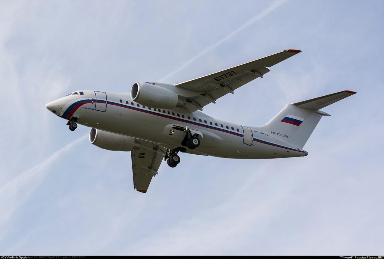 Два самолета Ан-148-100Е поступили в 33-й отдельный транспортный смешанный авиационный полк