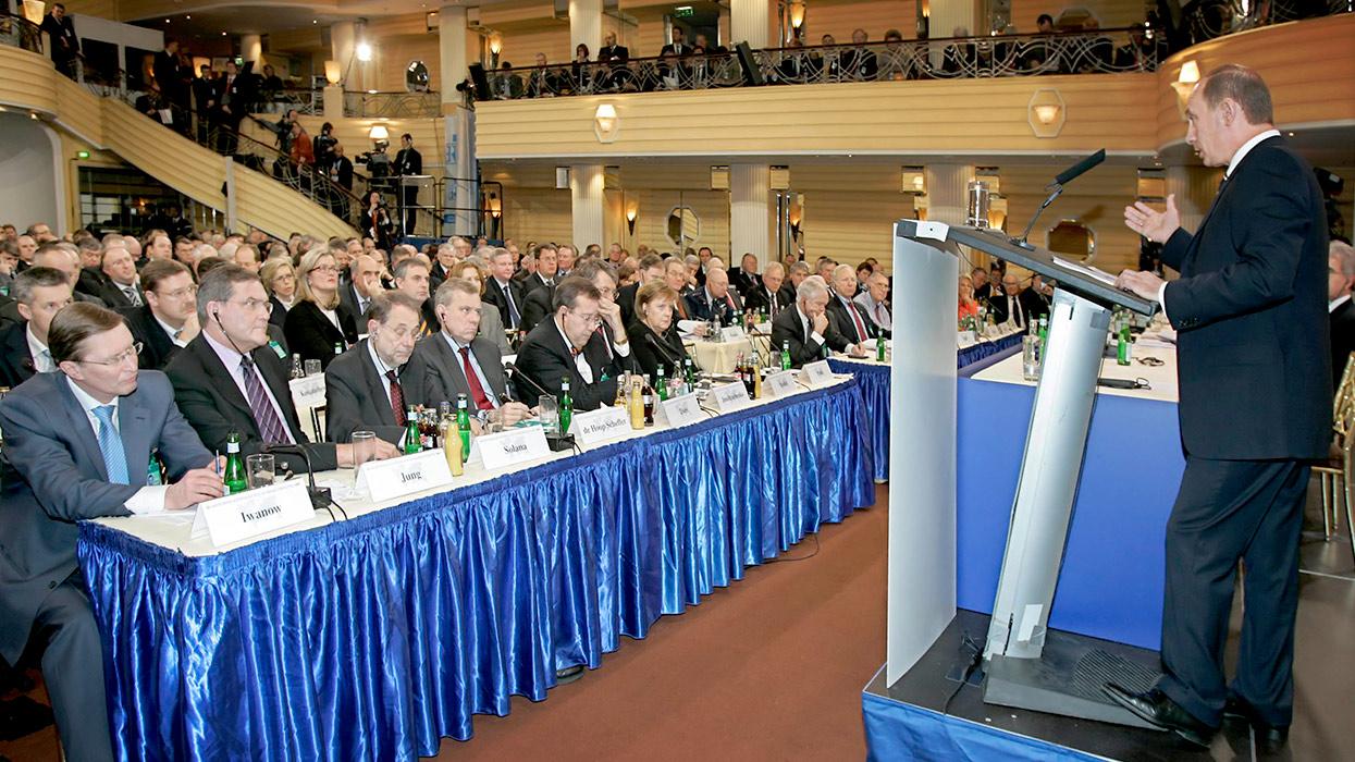 Юрий Селиванов: «Милые» метаморфозы антироссийской оппозиции
