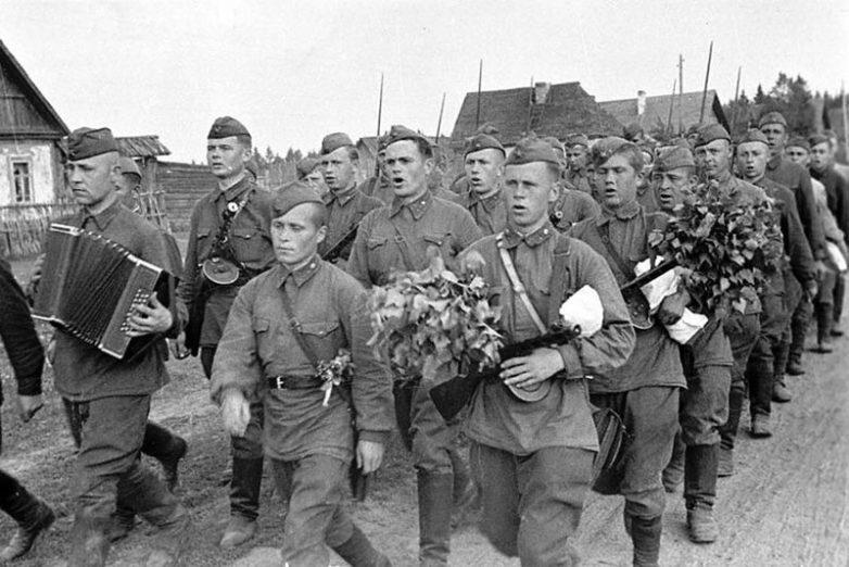 Тыловое обеспечение и быт советских солдат