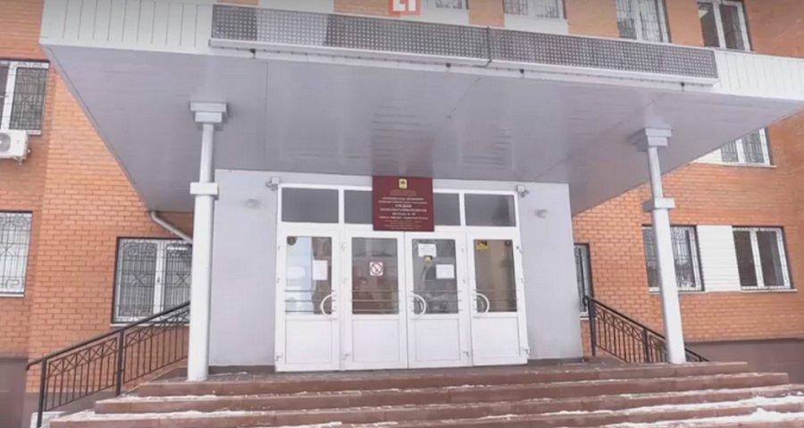 Обиженная мать пожаловалась в прокуратуру на откровенные фото замдиректора школы