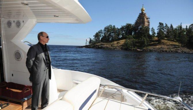 СМИ: Владимир Путин отдыхает в Карелии