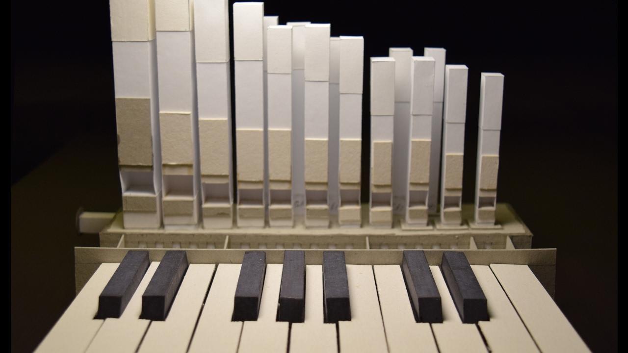 Белорус собрал миниатюрный орган из… бумаги: необычное изобретение
