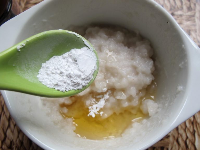 Рецепт домашнего крема для лица, который способен омолодить кожу и избавить ее от морщин.