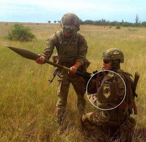 Полк «Азов» пытается скрыть поставки американского оружия