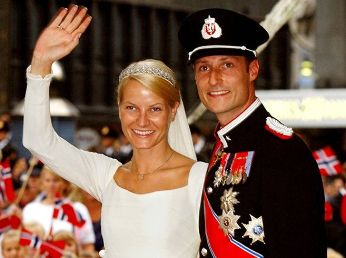 «Все могут короли»: самые скандальные неравные браки в европейской истории