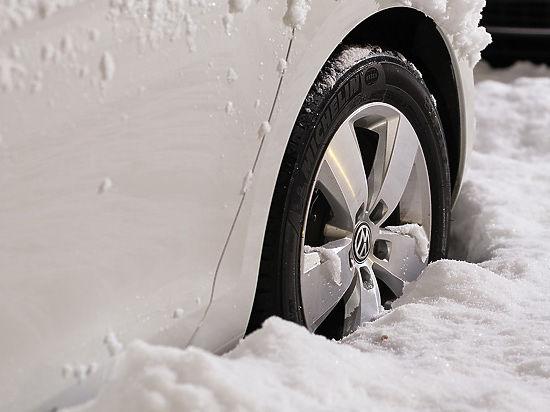 Чем опасен снег, набившийся в колесные арки