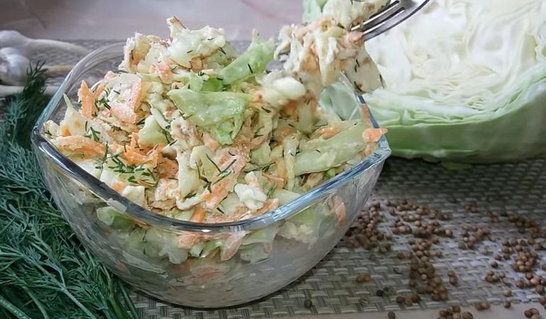 Салат из капусты и моркови с…