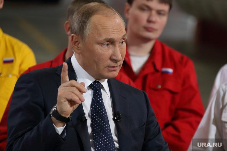 «СМИ рисуют из Путина прораб…