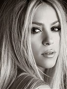 Шакира (Shakira) в фотосессии для альбома She Wolf (2009)