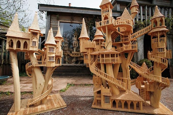 Сказочный деревянный домик своими руками