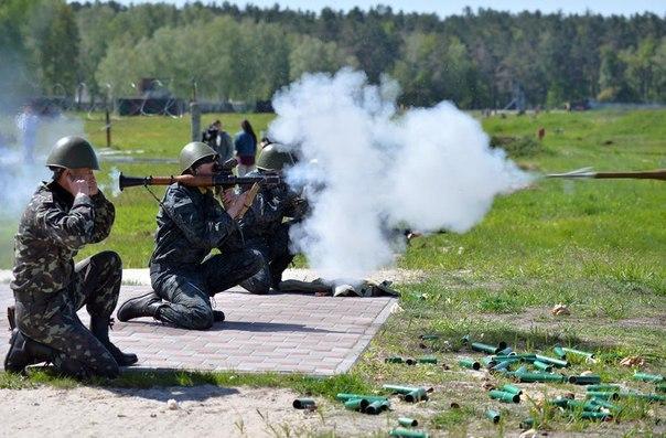 Американские СМИ: элитное подразделение США уступает ополченцам Донбасса