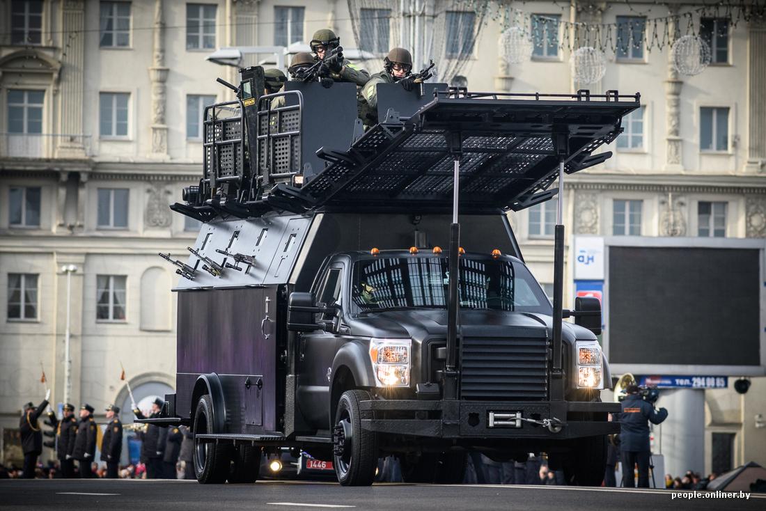 О, какую чудо-юдо-машину штурмовую братья-белорусы сотворили!