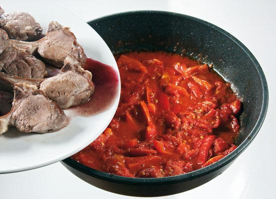 Баранья корейка в помидорах и вине от www.dunduk-culinar.ru