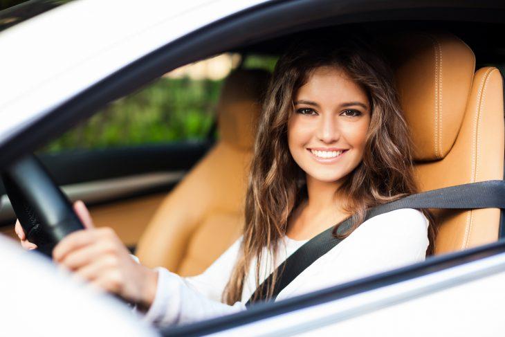 Когда сама судьба не даёт развеять стереотип о женщинах за рулём…