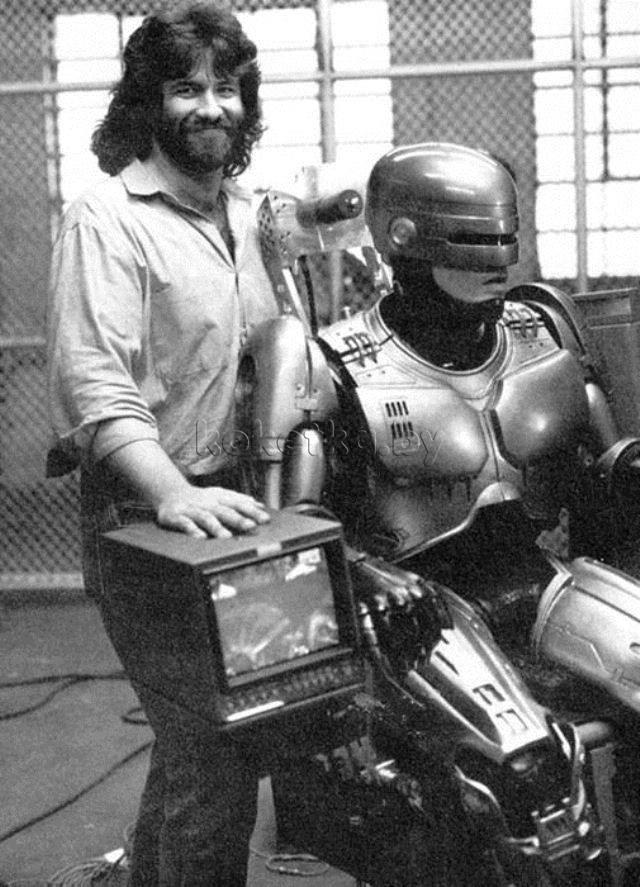 Факт №5: Костюм Робокопа был создан Робом Боттиным голливуд, дата, кинематограф, кино, робокоп, факты, фильм, юбилей