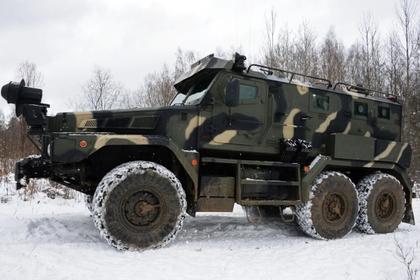 Крымчанка легла под колеса российского военного грузовика