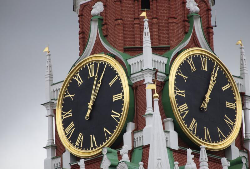 В Москве задумались о переводе времени на час вперед