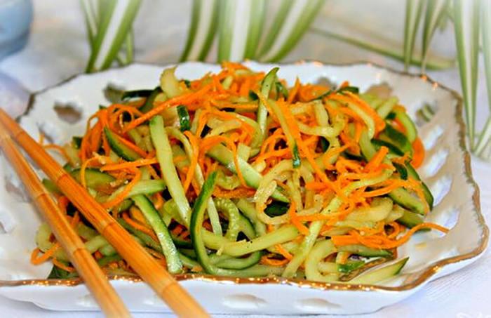 Вкусный салатик на зиму из огурцов