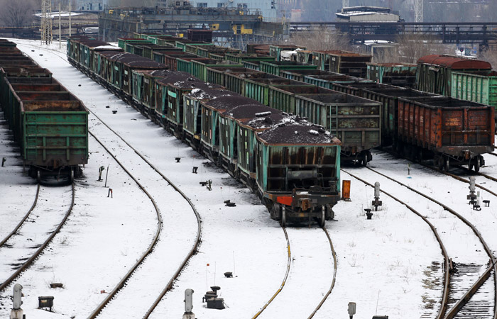 Украина полностью перекрыла грузовое транспортное сообщение с ДНР и ЛНР