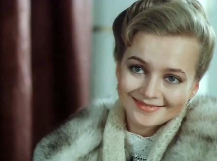 Рита Вульф Показывает Голую Грудь – Моя Прекрасная Прачечная (1985)
