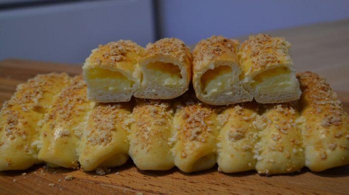 Изумительные сдобные булочки с заварным кремом