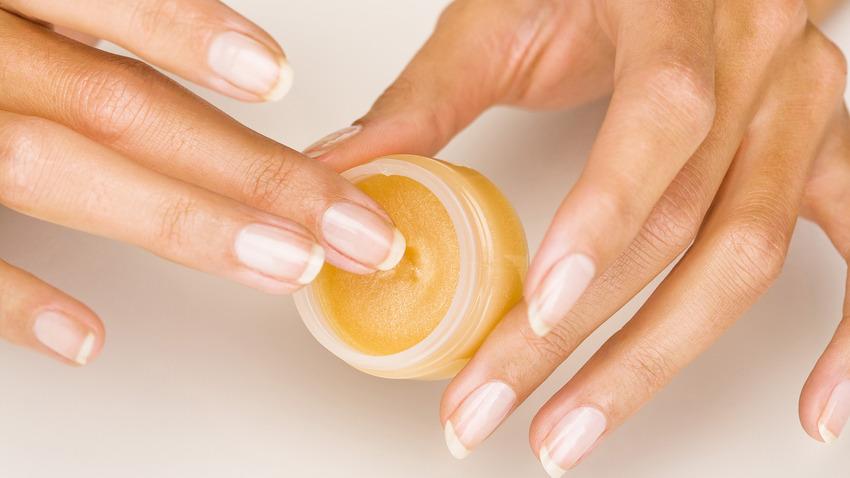 «Запечатывание ногтей»: домашняя процедура