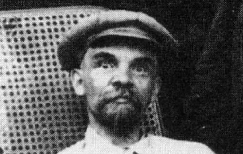 """Специалист - Лениновед: """"Если бы русские узнали правду о Ленине, через день не осталось бы ни одного памятника"""""""