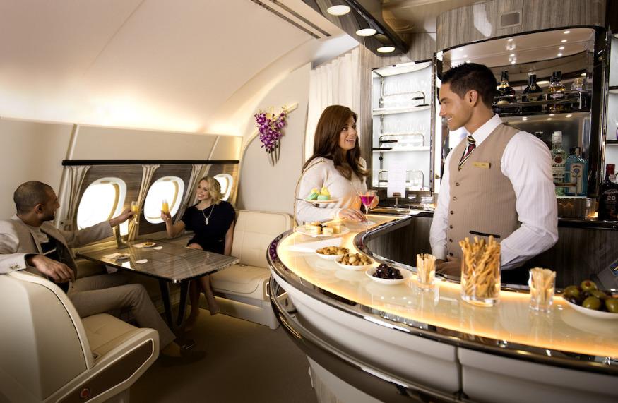 Авиакомпания Emirates планирует разместить на своих самолетах А380 новый лаунж-бар