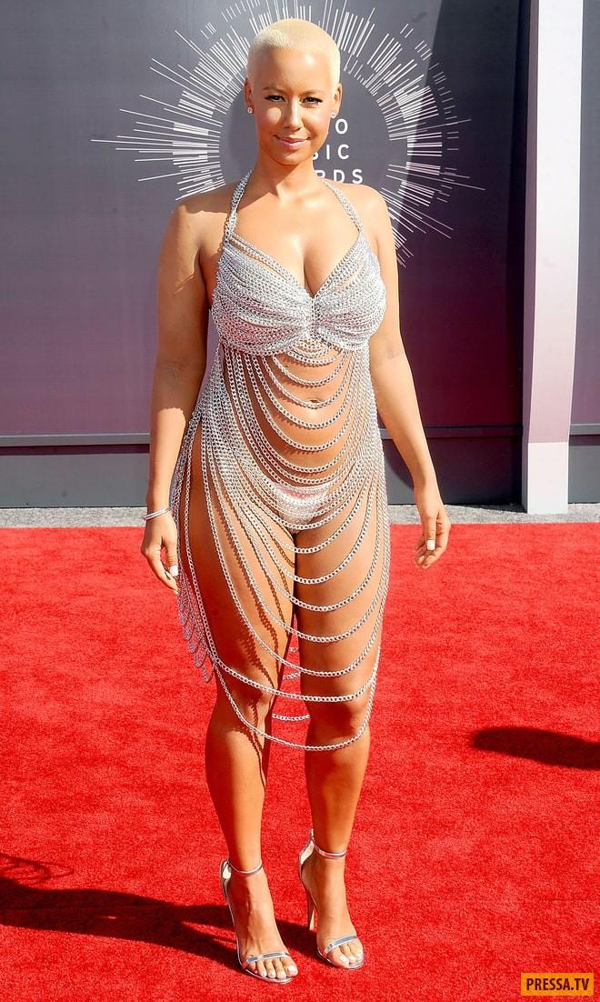 Такие «голые» платья звезд могут смутить даже красную дорожку!